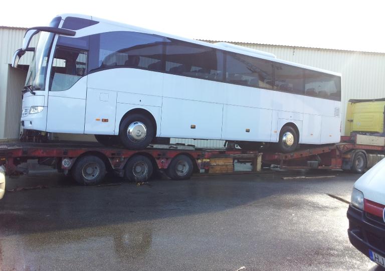 Прибытие автобуса Mercedes-Benz Tourismo 15 RHD на таможенный склад